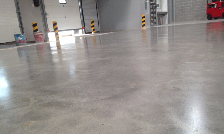 Pulido y brillado de concreto pisos pulidos for Piso de concreto pulido